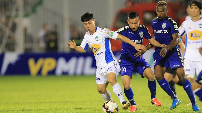 HAGL thua đau Quảng Nam, Hà Nội FC hủy diệt Than Quảng Ninh