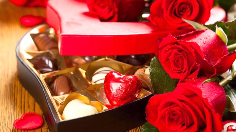 Kết quả hình ảnh cho cách tặng quà valentine