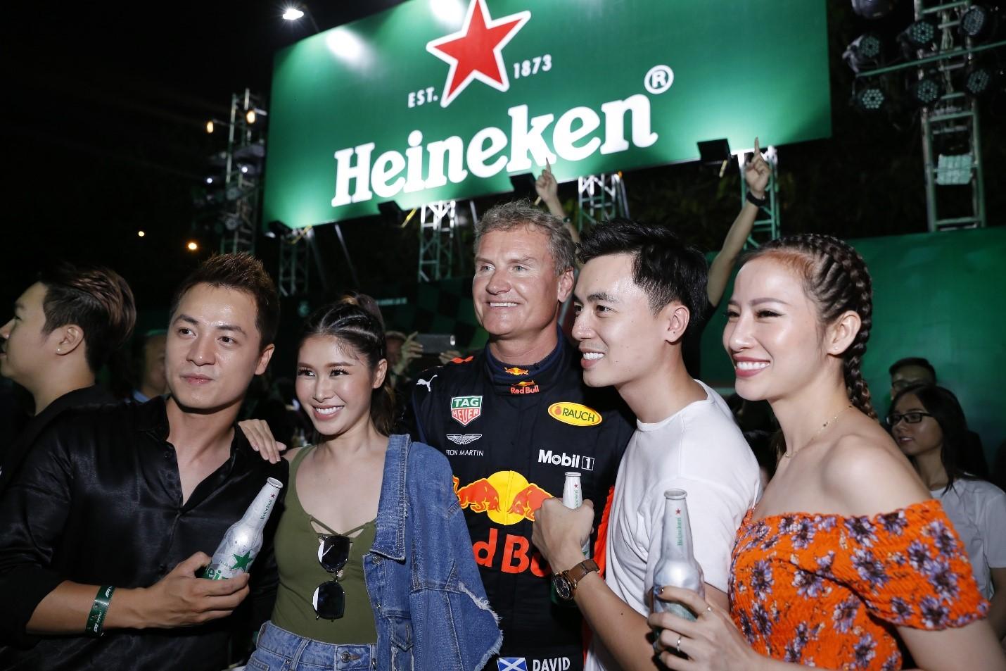 Gia nhập hội fan F1 đích thực, loạt sao Việt còn thể hiện bản lĩnh cùng thông điệp 'Đã uống rượu bia thì không lái xe'